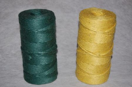 Jute garen gekleurd getwist en getwijnt 1000 gram.  950/7