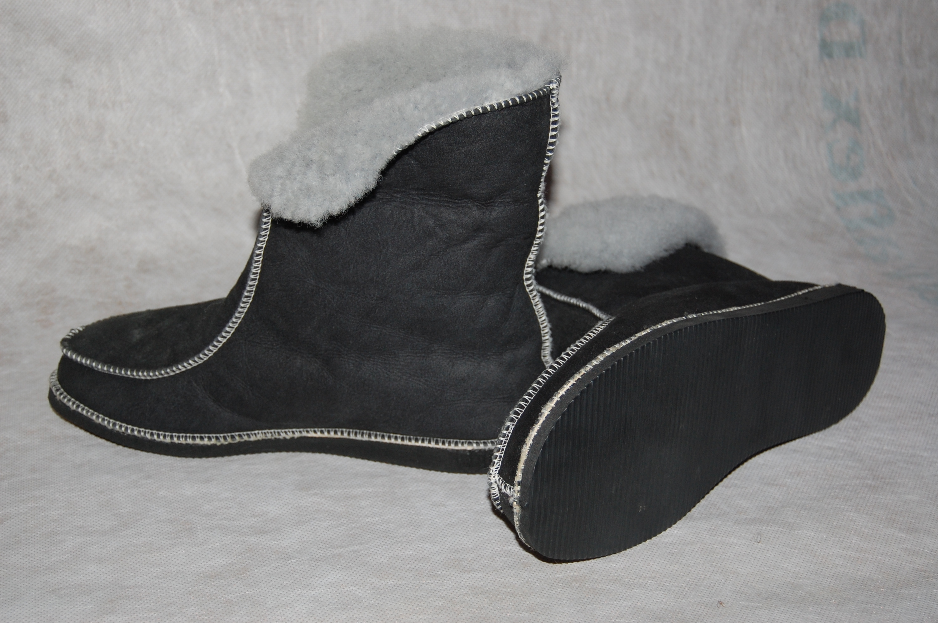 Hoge pantoffel  voor dame of heer  maat 36 t/m 42